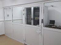 Zabudowa ścianką PVC pod serwerownię
